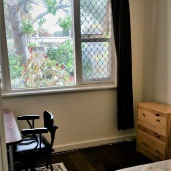 PRIVATE ROOM with WORK. QUIET. FRIENDLY, PEACEFUL SHARE HOUSEHOLD.FEMALE ( 39+)
