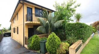 Unit 2 bed, 1 bath, Belmore