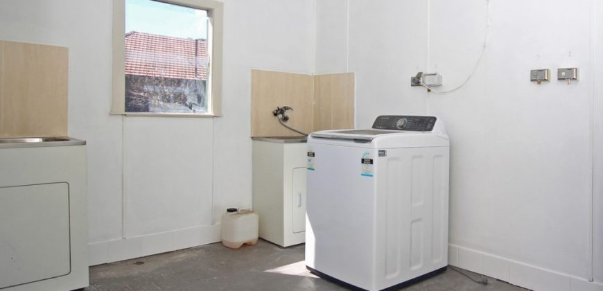 Lidcombe 1 bed unit renovated with car space