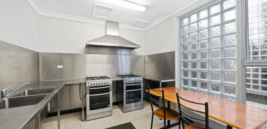 Petersham Studio Apartment fully furnished