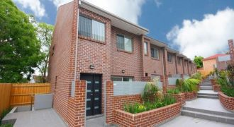 Telopea 3 bed 2 bath 2 garage townhouse