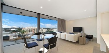 Ashfield oversized penthouse plus rooftop balcony