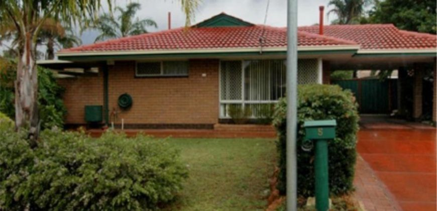 WELL PRESENTED FAMILY HOME 3 X 1 WITH SPACIOUS BACKYARD