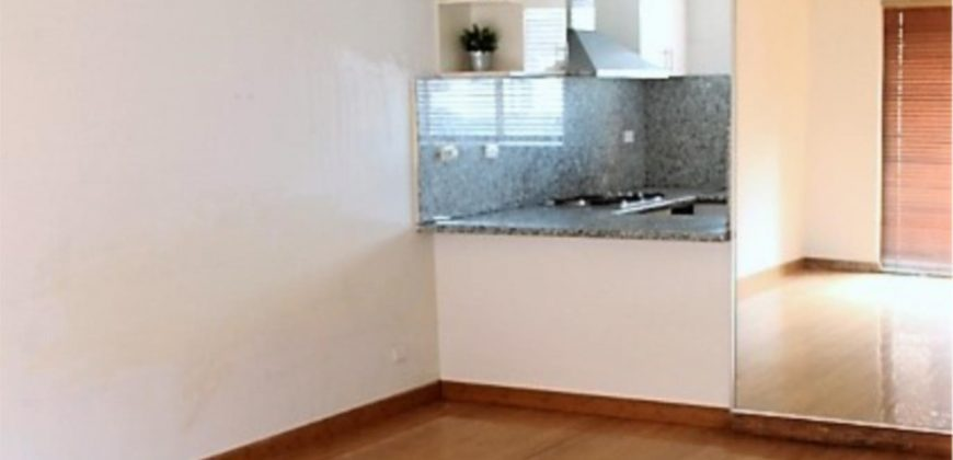 MODEST TOWNHOUSE IDEALLY FOR YOUNG FAMILY !