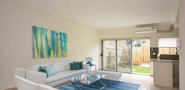 Newington 3 bed townhouse in boutique complex