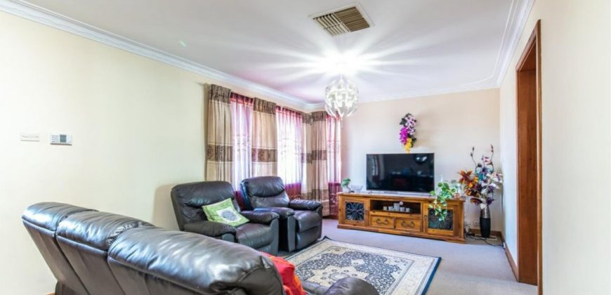 Ideal Family Home with Huge Powered Workshop ! !