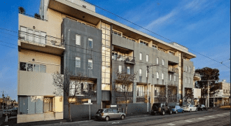 One Bedroom Private furnished in St Kilda