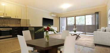 Convenient and stylish 2 bed apartment Homebush West