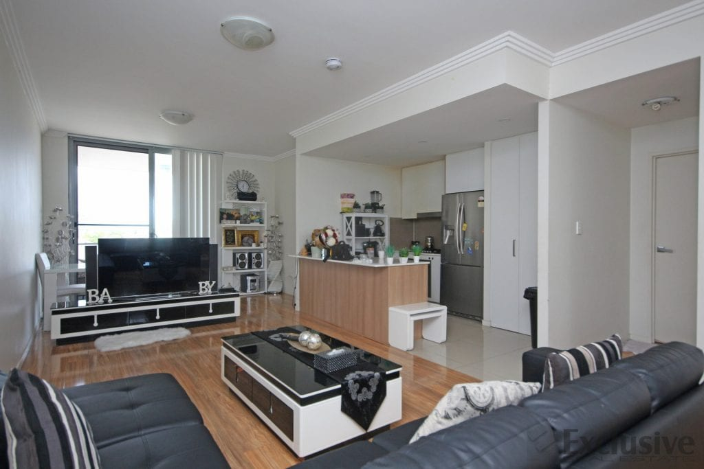Modern 2 bed apartment in Merrylands NSW