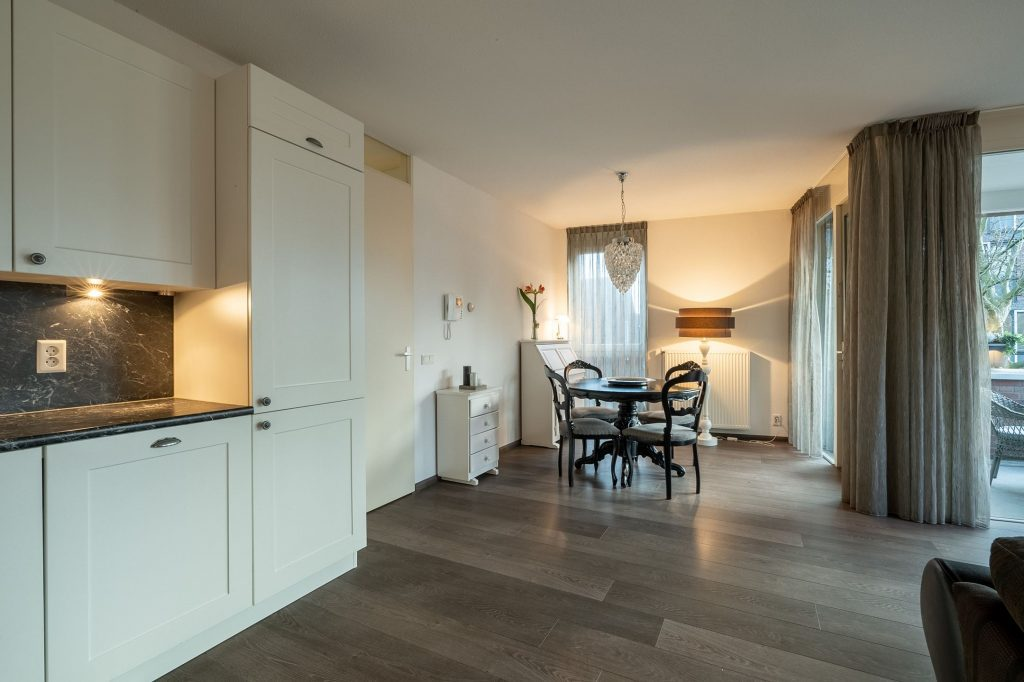 1bedroom modern, new fully FURNISHED apartment