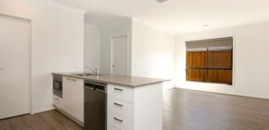 NEWLY RENOVATED FAMILY HOME FOR RENT !!