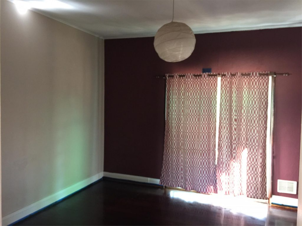 CHARACTER 3X1 HOME IN GREAT LOCATION