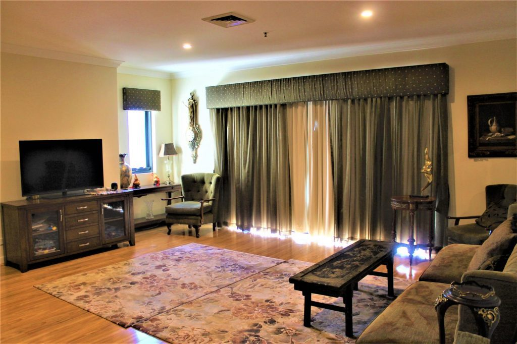 GORGEOUS SPACIOUS PENTHOUSE IN THE HEART OF PERTH CBD