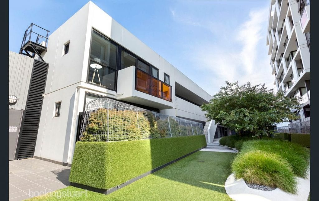 Modern luxury 2 Bedroom, 1 bathroom, 1 basement car park apartment for RENT in Abbotsford VIC 3067